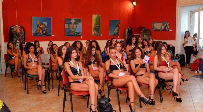 Miss Sud compie 10 anni – Al via il tour lunedì 15 da Cetara. Finale a Salerno, madrina Adriana Volpe