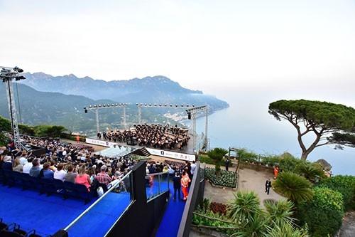Al Ravello Festival Bis dell'orchestra Teatro San Carlo Diretta da Juraj Valčuha